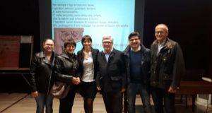 Il dottor Castellini (il primo a destra) assieme a Cristina Marcucci e, fra gli altri, al dottor Perri (al centro) in un'iniziativa dello scorso maggio a San Severino