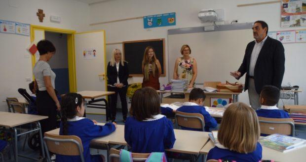 Il sindaco e il preside incontrano alunni e insegnanti della Primaria
