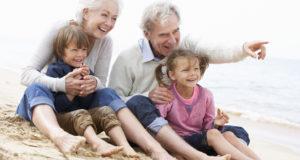 Nonni, nipoti e genitori: un rapporto delicato di cui si parla stasera alle Medie