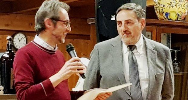 Il saluto del prof. Maurizio Moscatelli al preside Sandro Luciani