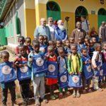 """I bambini dell'asilo di Goduto (41 alunni e due insegnati), interamente finanziato da """"Sorrisi"""""""