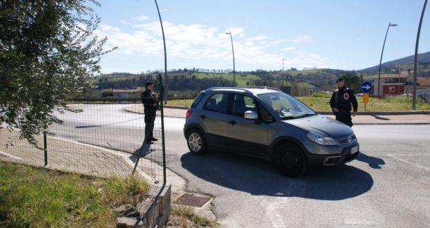 Posto di blocco dei Carabinieri a San Severino