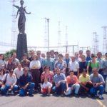 Foto di gruppo con gli amici radioamatori in una visita di tanti anni fa alla Radio Vaticana