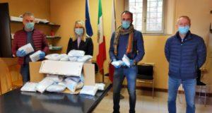 La consegna delle mascherine