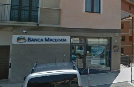 La filiale di Banca Macerata in via Gorgonero a San Severino