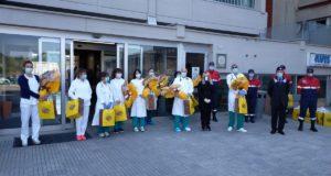 La consegna delle uova pasquali in ospedale