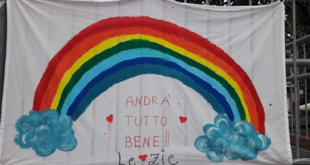 "Il bell'arcobaleno all'ingresso del ""Nido"""
