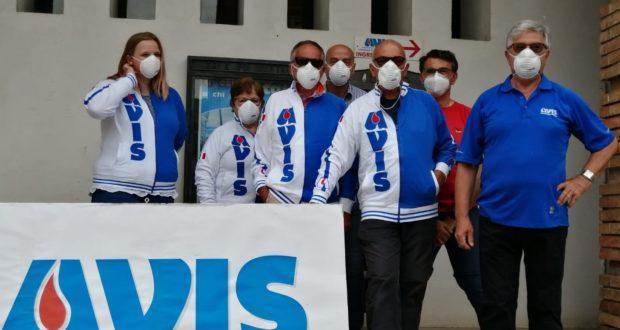 """Il direttivo Avis con le mascherine """"griffate"""""""