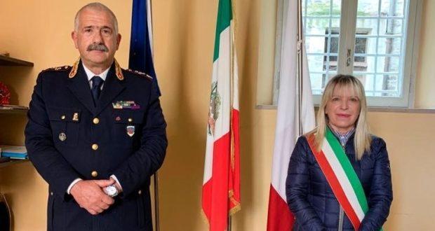 Il dottor Andrea Innocenzi con il sindaco Rosa Piermattei