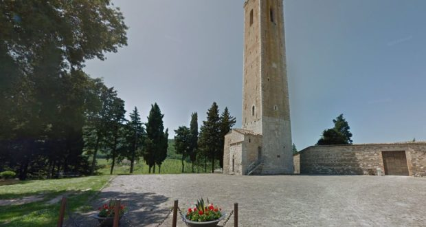 Il piazzale degli Smeducci al Castello