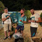 """La consegna della maglia di """"Bike Zone"""" a Lorenz Baccifava"""