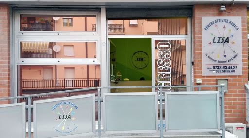 "L'ingresso del Centro medico ""Lisa"""