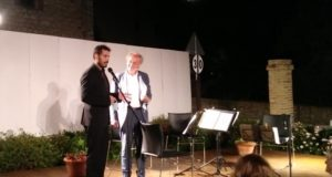Il professor Massimo Ciambotti con il direttore artistico del Festival, Michele Torresetti