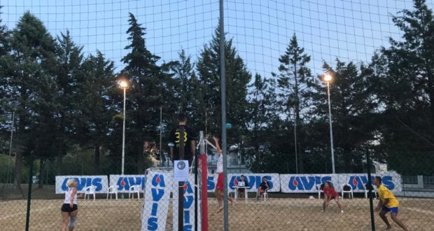 "Una delle prime gare di beach volley del 2° ""TorneONE ignorante"""