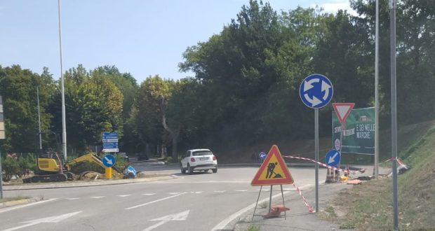 Lavori all'altezza della rotatoria per viale Varsavia