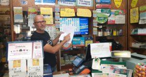 Giuseppe Petinari ci mostra la vincita al Lotto