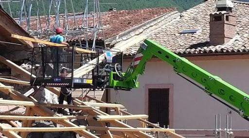 Cantiere della ricostruzione (foto d'archivio)