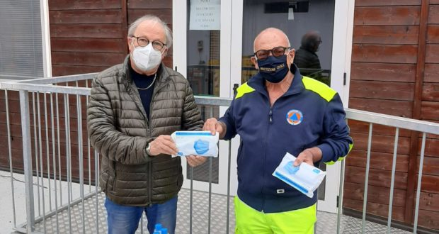 Ortenzi con Marinelli per la consegna delle mascherine