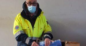 Dino Marinelli con il materiale donato