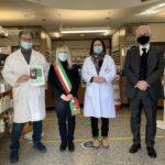 Prefetto e sindaco nella farmacia Lorenzetti