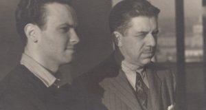 Un giovane Giorgio Zampa con il poeta Montale