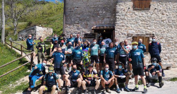 Il gruppone di Bike Zone al Cantuccio di Elcito
