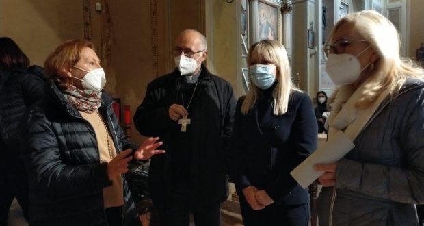 """Il vescovo Massara a San Rocco per il ritorno a casa della """"Madonna col Bambino"""""""