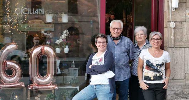 Carla Ciciliani con i genitori Paola e Pio e con la sorella Laura