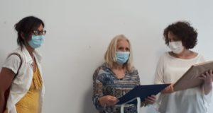 Donella Meschini con la Dirigente Lauretta Corridoni e la vicaria Martina Prosperi