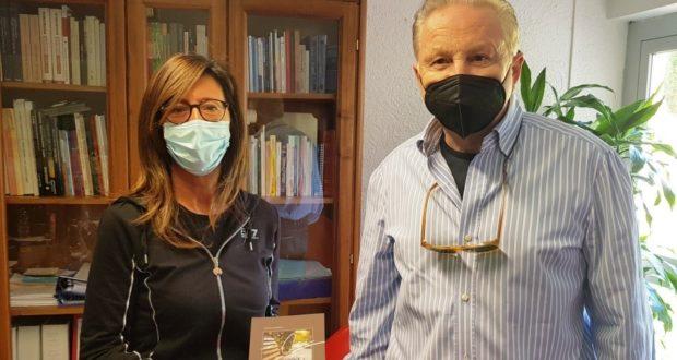 La dirigente Lauretta Corridoni con Fabrizio Grandinetti