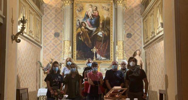 """La """"Madonna col Bambino"""" a San Rocco e il gruppetto de primi visitatori grazie al Percorso fascinoso"""
