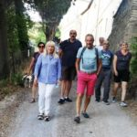 Alcuni dei partecipanti con il sindaco Rosa Piermattei e con il presidente del Cai di San Severino, Marino Scattolini