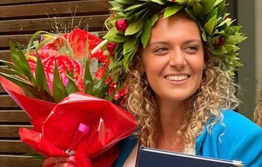 Sofia Cesari neolaureata in Scienze della comunicazione