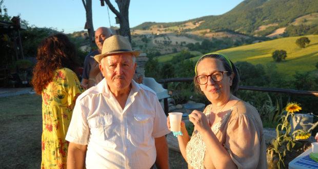 Luciano Carletti con la signora Gabriella, promotrice dell'iniziativa culturale