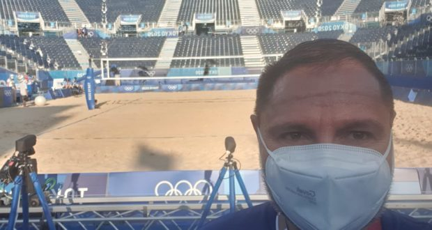 Roberto Taddei nell'impianto di beach volley