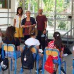La preside Corridoni con insegnanti e alunni delle Medie