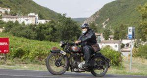 Serrapetrona, una delle moto partecipanti a precedente edizione