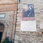 L'immagine di Santa Camilla Battista e la lapide inaugurata nel 2010