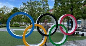 Roberto Taddei fra i cinque cerchi dello stadio olimpico