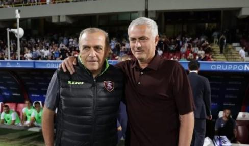Castori e Mourinho prima del match