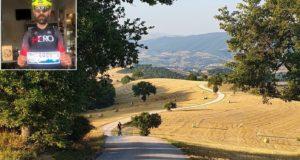 Settempeda Bike Tour, uno dei tratti più spettacolari. Nel riquadro Alessandro Bacaloni