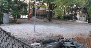 L'angolo dei Giardini in cui è stato abbattuto il chiosco e tolta la vecchia pista da ballo
