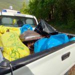 Il mezzo della Protezione civile carico di rifiuti