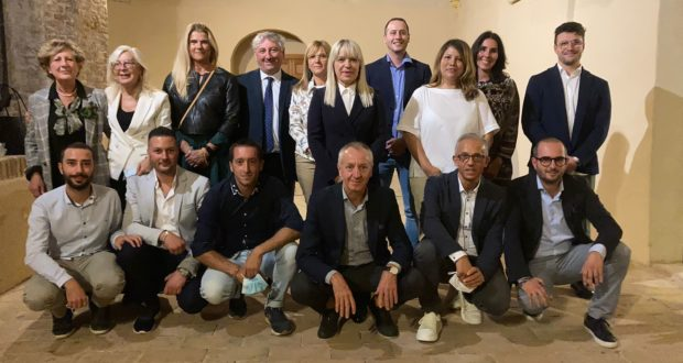 Il sindaco Rosa Piermattei e la sua squadra