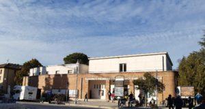 Il camper all'Italia e Sala riaperta per le vaccinazioni