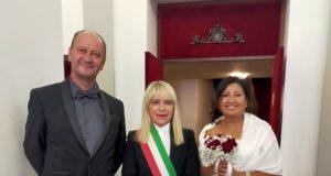 Gli sposi al Feronia con il sindaco Rosa Piermattei
