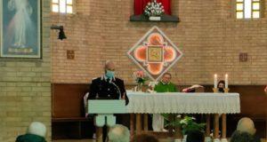 Il Comandante Lucarelli nella chiesa di Taccoli